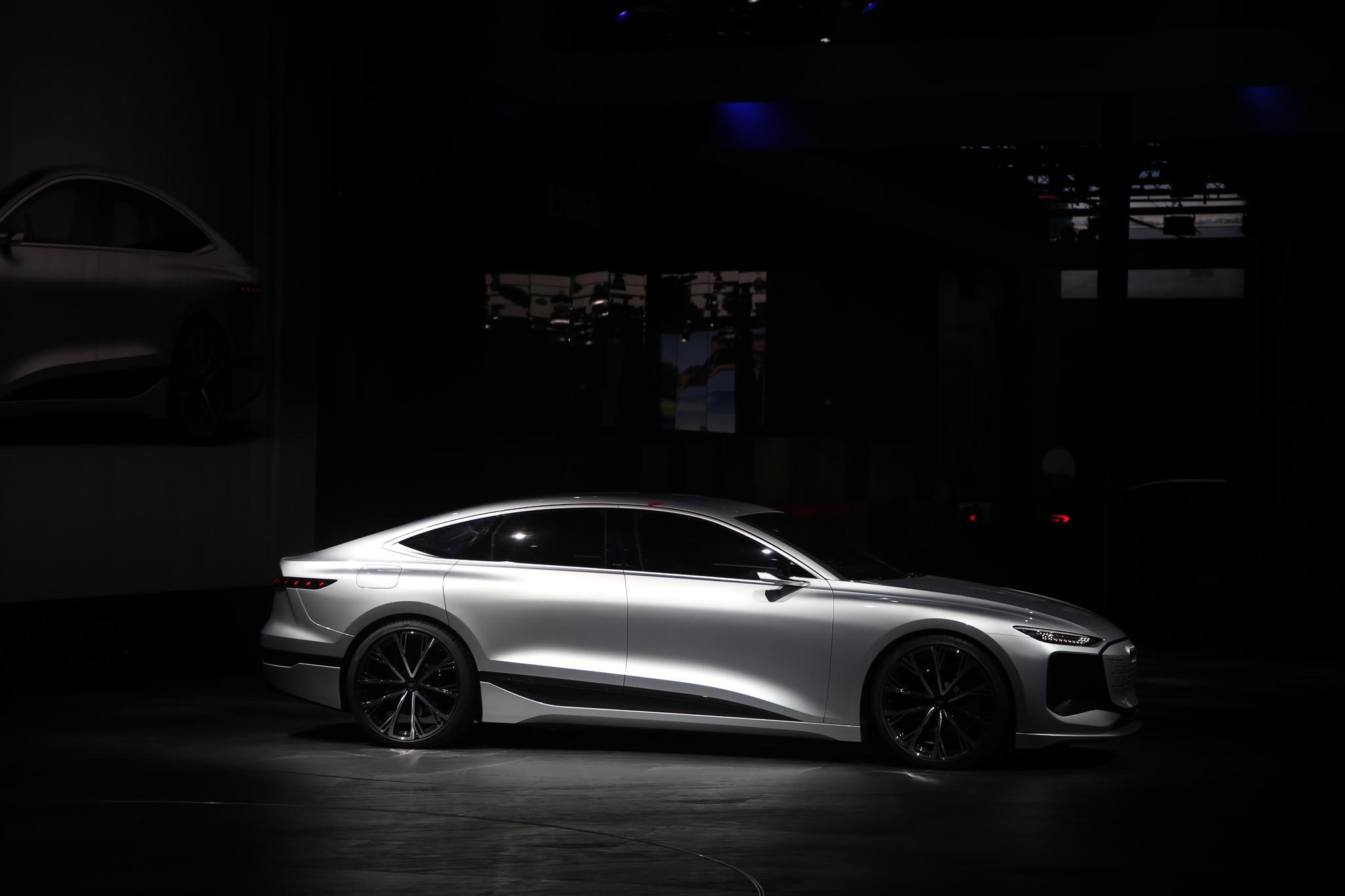 2021上海车展:奥迪A6 e-tron概念车全球首发