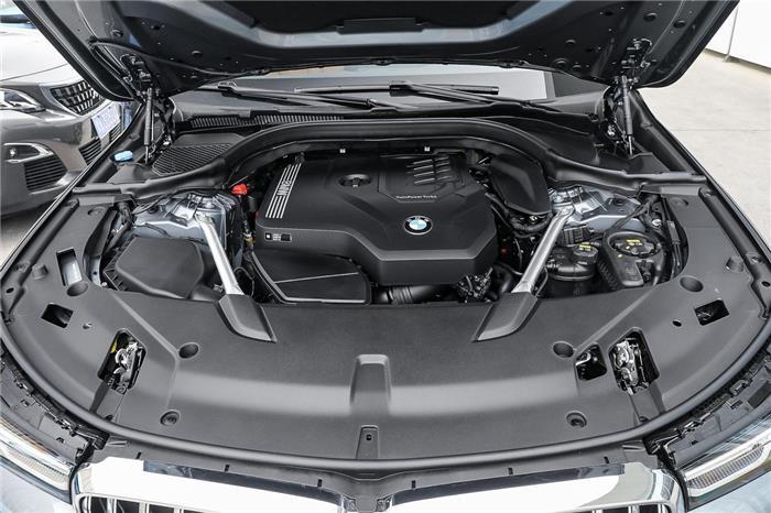 试驾宝马6系GT:2.0T+8AT,踩下油门,推背感喷涌而出